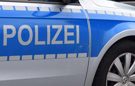 Angeblicher Polizist spricht 12 jährigen Jungen auf Weihnachtsmarkt an – Zeugen gesucht!